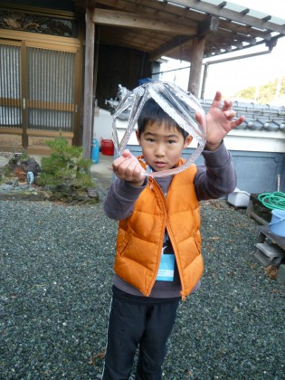孫2人が氷の実験で作った氷