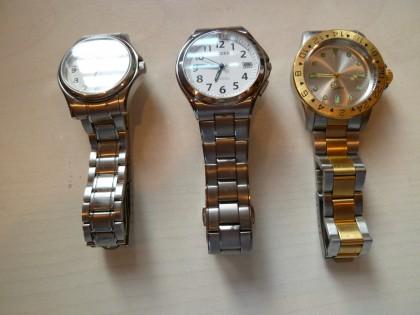 三つ揃った腕時計