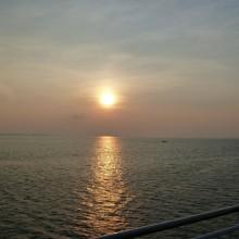 佐賀関港の沖合いから見た夕焼け