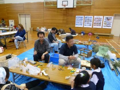 中尾先生たちの竹工作教室