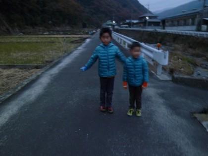 私と早朝のジョギングをする孫二人