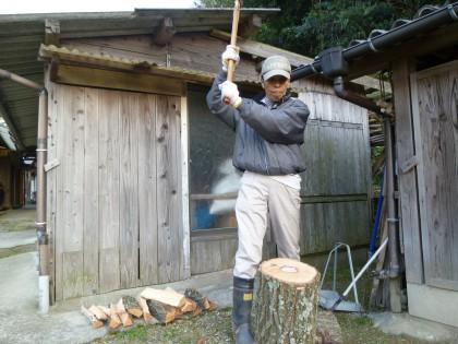 薪割り仕事が始まりました
